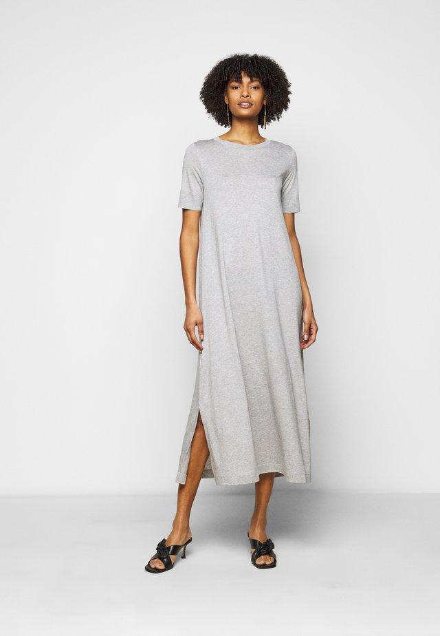 JANNIE - Žerzejové šaty - grau