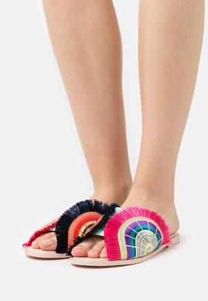 MONA - Pantofle - crystal pink/multicolor