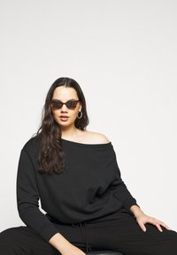 Even&Odd Curvy - Sweatshirt - black - 3