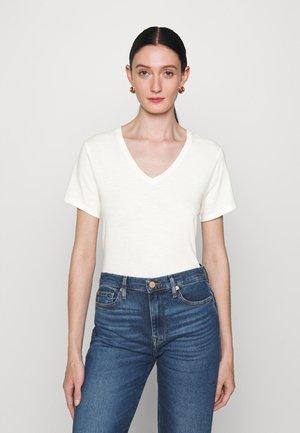 VNECK ASHAPE - Jednoduché triko - blanc