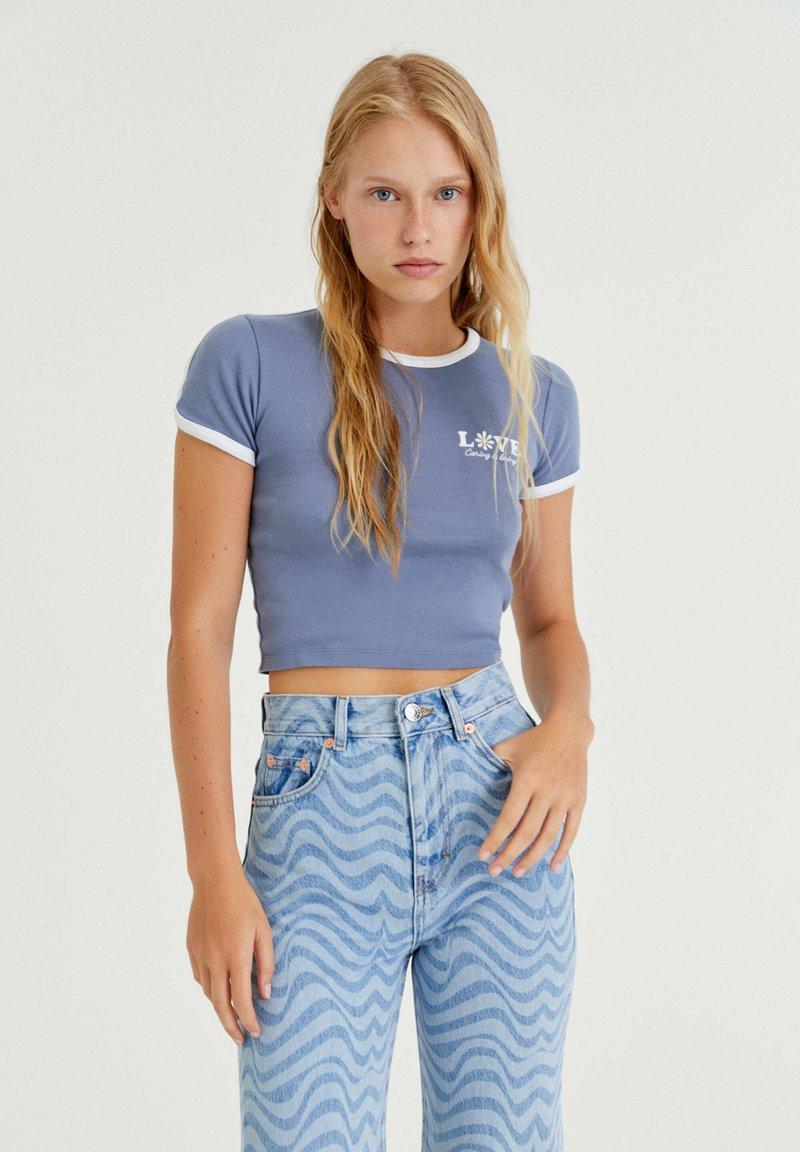 PULL&BEAR - T-shirt med print - blue-grey