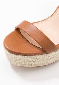 Even&Odd - Korolliset sandaalit - cognac - 2
