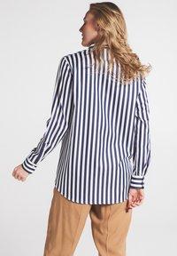 Eterna - Button-down blouse - marine weiß - 1