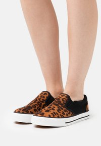 Simply Be - WIDE FIT NELSON - Trainers - brown - 0