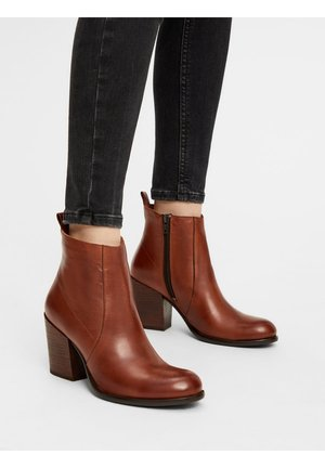 BIADELMA - Classic ankle boots - cognac