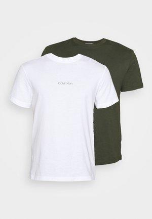 CENTER LOGO 2 PACK - T-shirts - dark olive/white