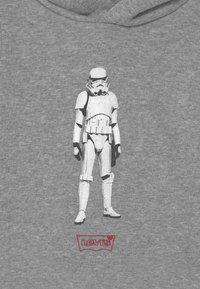 Levi's® - STAR WARS STORM TROOPER  UNISEX - Hoodie - grey - 2