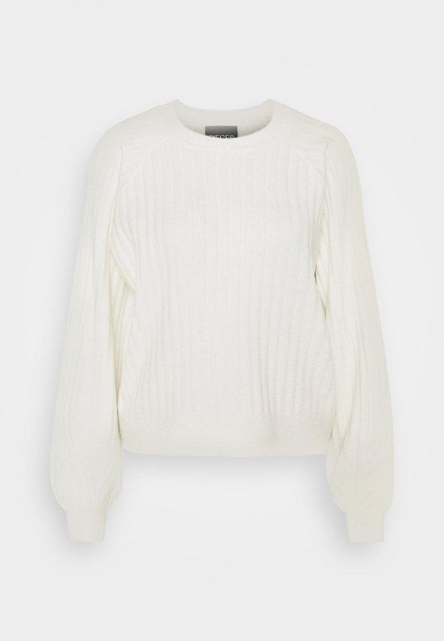 PCPOLLY O-NECK  - Stickad tröja - bright white