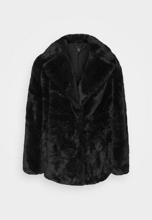 WINNIE - Zimní bunda - black