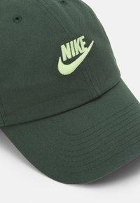 Nike Sportswear - FUTURA WASH UNISEX - Cap - galactic jade/liquid lime - 3