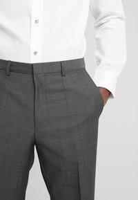 HUGO - HESTEN - Pantaloni eleganti - charcoal - 5