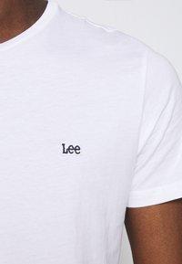 Lee - PATCH LOGO TEE - T-shirt - bas - white - 4
