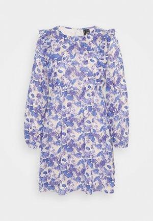VMVIOLA SHORT DRESS - Day dress - birch/viola