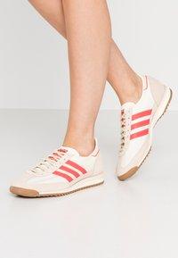 adidas Originals - SL 72  - Tenisky - cream white/solar red - 3