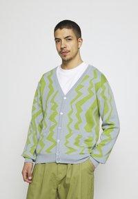 Obey Clothing - STATIC CARDIGAN - Neuletakki - good grey/multi - 0