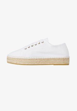 CLARA - Sneakers laag - white