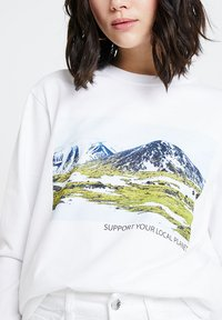 Merchcode - LADIES SUPPORT YOUR LOCAL PLANET CREWNECK - Sweatshirt - white - 4