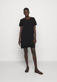 TWINSET - SANGALLO - Strikket kjole - nero - 0