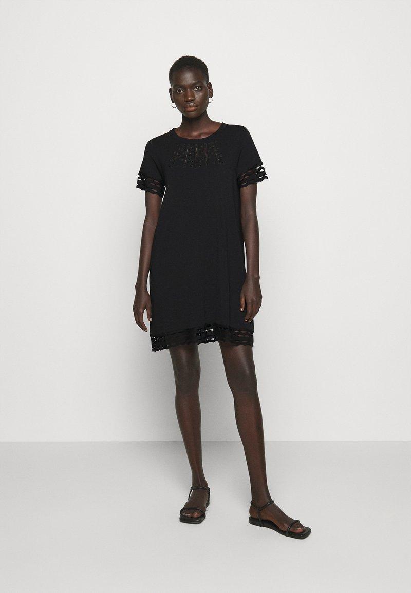 TWINSET - SANGALLO - Strikket kjole - nero