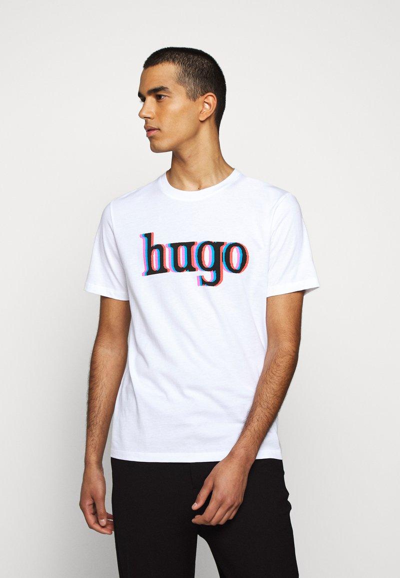HUGO - DONTROL - T-shirt imprimé - white