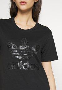 adidas Originals - TEE - Print T-shirt - black - 4
