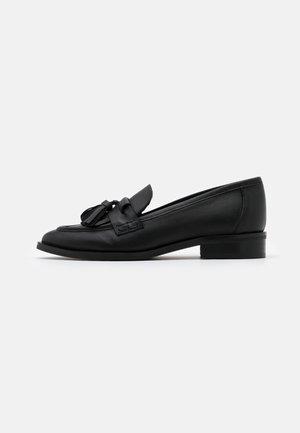 OLILITH - Slip-ins - doge black