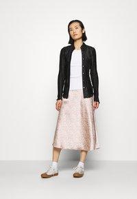 ARKET - MAXI SKIRT - A-line skirt - orange/dusty light - 1
