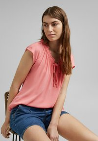 Esprit - BLOUSE - Print T-shirt - coral - 6