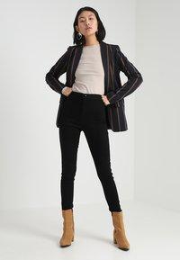 Dorothy Perkins Tall - LYLA - Jeans Skinny Fit - black - 1