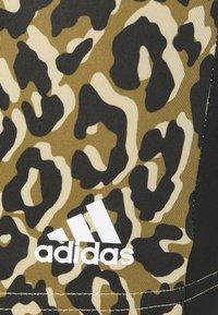 adidas Performance - ADIDAS DESIGNED TO MOVE AEROREADY LEOPARD PRINT SHORT TIGHTS - Medias - hazy beige/black - 5