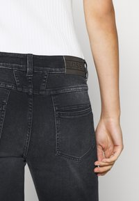 CLOSED - PEDAL QUEEN - Straight leg jeans - dark grey - 4