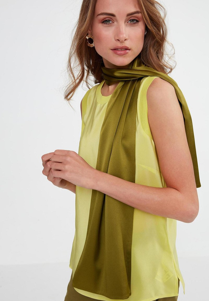 Falconeri - SEIDENSCHAL - Scarf - verde oliva