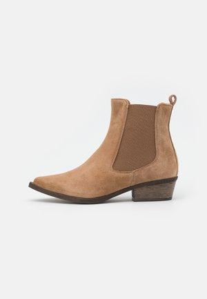 PALOMA - Cowboy/biker ankle boot - terra