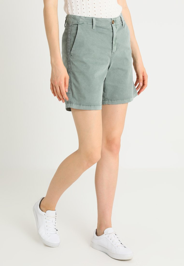 GAP - CLEAN  - Shorts - winter forest