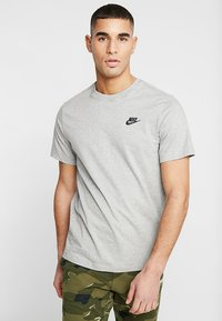 Nike Sportswear - CLUB TEE - T-shirts - dark grey heather/black - 0