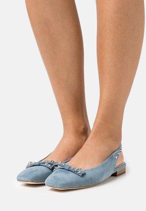 KÖRFEZ - Ballerina med hælstøtte - jeans