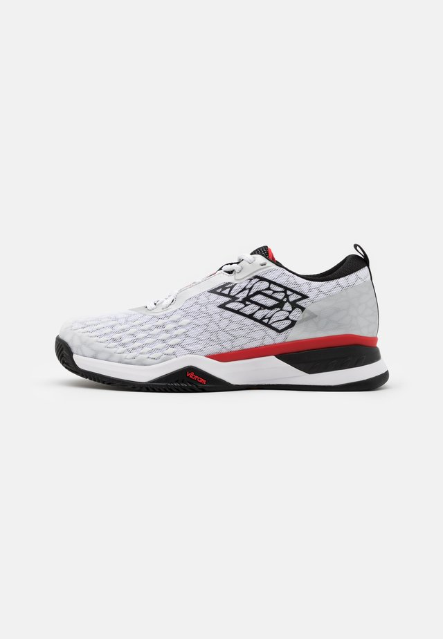 RAPTOR HYPERPULSE 100 CLY - da tennis per terra battuta - all white/all black/flame red