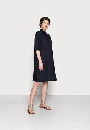 QUOTA - Shirt dress - global blue