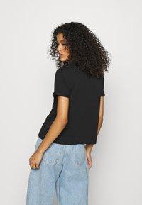 Calvin Klein Jeans - ARCHIVES TEE - Printtipaita - black - 2