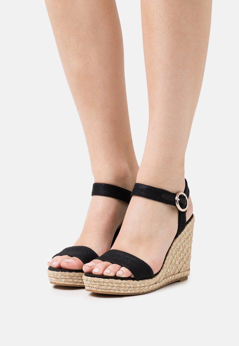 Tommy Hilfiger - SIGNATURE WEDGE - Platform sandals - black