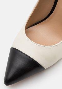 Lauren Ralph Lauren - LINDELLA - High heels - vanilla/black - 5