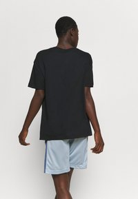 Nike Performance - DRY FLY TEE - Print T-shirt - black - 2