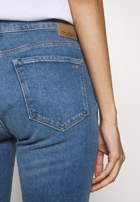 Mavi - ADRIANA ANKLE - Jeans Skinny Fit - mid frayed denim - 5