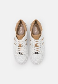MICHAEL Michael Kors - KEATON STRIPE LACE UP - Sneakers basse - bright white - 4