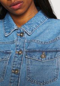 Pieces - PCGREYSON JACKET - Denim jacket - light blue denim - 5