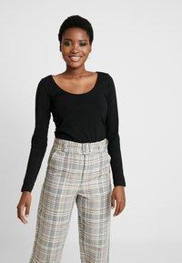 Anna Field - 2 PACK - Long sleeved top - black/black - 2