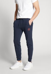 Jack & Jones - JJIGORDON JJSHARK PANTS  - Trainingsbroek - navy blazer - 0