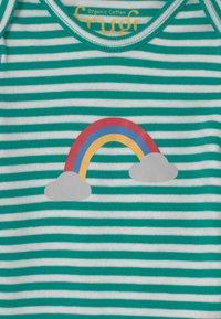 Frugi - DELIGHTFUL BABY GIFT SET UNISEX - Print T-shirt - green - 3
