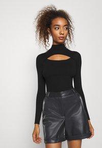 Vero Moda - VMLIA  - Shorts - black - 3