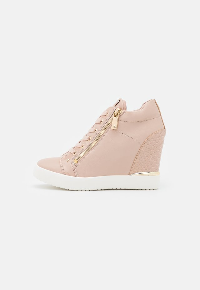 TRIXIE - Trainers - light pink